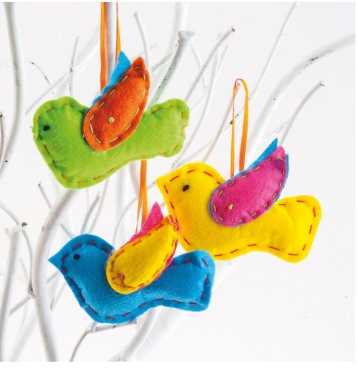 Τσόχινο πολύχρωμο διακοσμητικό πουλί.